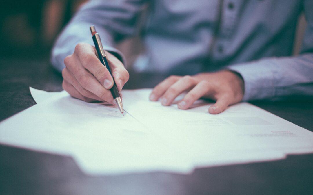 ¿Qué es un contrato laboral? - Asesoria Fiscal en Murcia